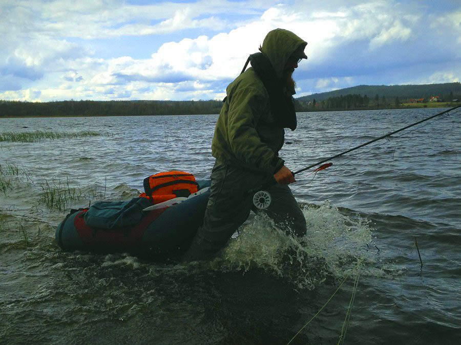Fims guide Benny on the way to the spot for flyfishing from belly boat!