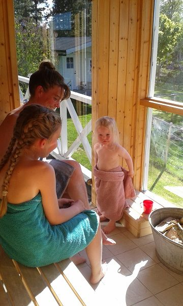 Free access to woodburning sauna with view over the lake and the mountains.